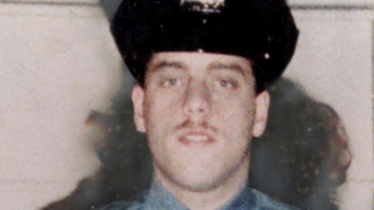 Bullshit Propaganda & Response ALERT!! The disturbing 43-year history of assassinations of NYPD cops